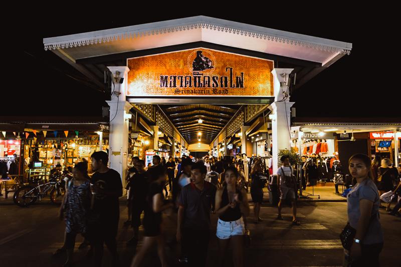 5 ตลาดนัดกลางคืน น่าเดิน