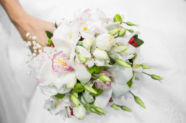 ช่อดอกไม้สดสวย ๆ จากร้านผกาฟลอริส
