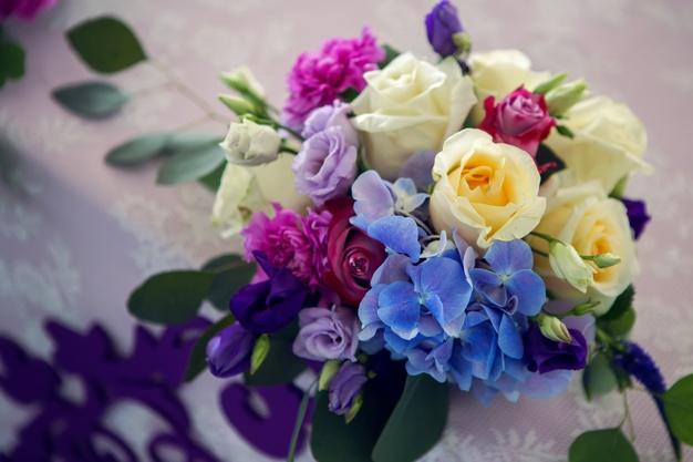 ส่งพวงหรีดดอกไม้สดให้ประทับใจผู้รับด้วย 3 วิธีง่าย ๆ