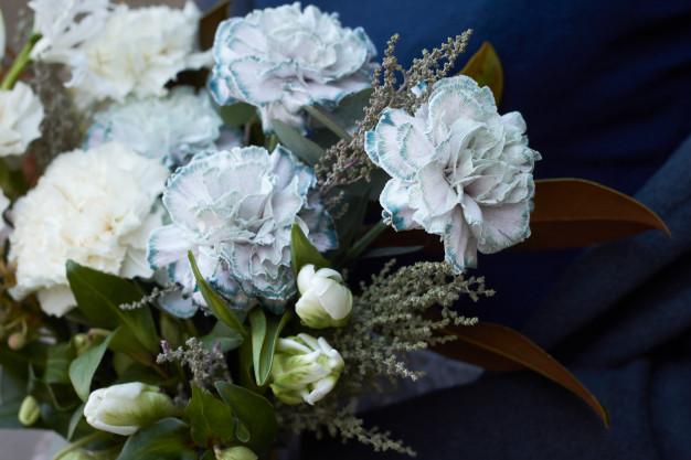 ความสำคัญของพวงหรีดดอกไม้สดในพิธีศพของชาวคริสต์